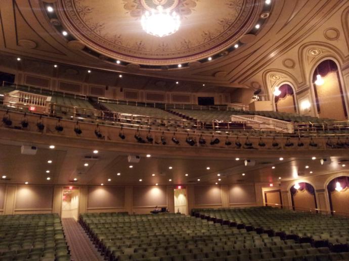 800px-Hanover_Theatre_Interior (1)