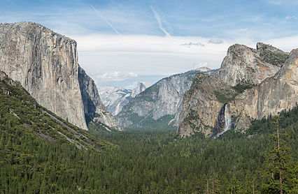 426px-Tunnel_View,_Yosemite_Valley,_Yosemite_NP_-_Diliff