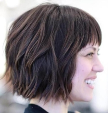 14-wavy-choppy-bob-with-short-bangs