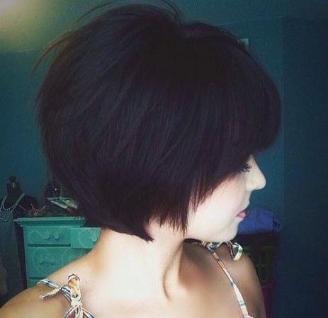 19-wispy-chin-length-bob-hairstyle